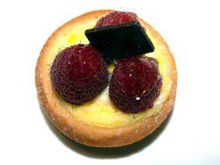 Mini Rasberry Custard Tart - dessertsbygerard.com