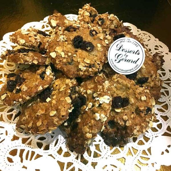 Oatmeal Raisin Cookies - dessertsbygerard.com