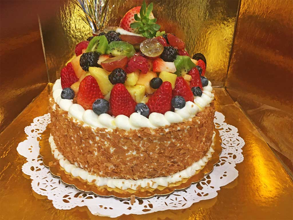 8 inch one layer La Ronde des fruits - dessertsbygerard.com