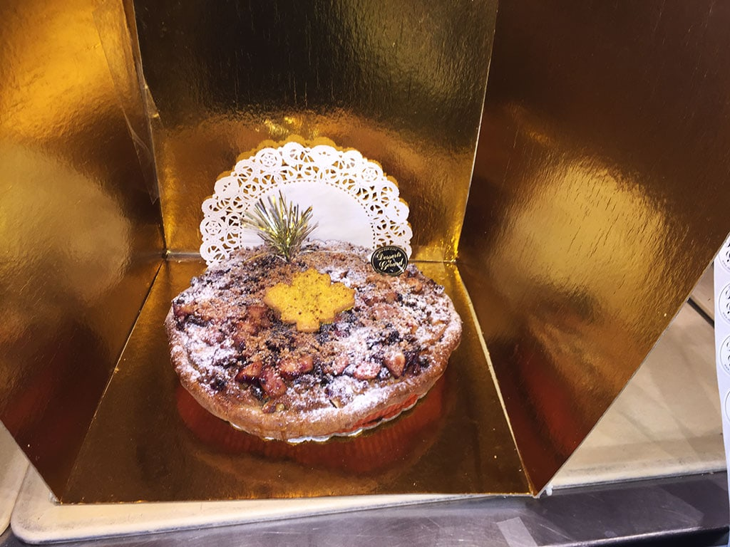 Apple Cranberry Walnut Pie - dessertsbygerard.com