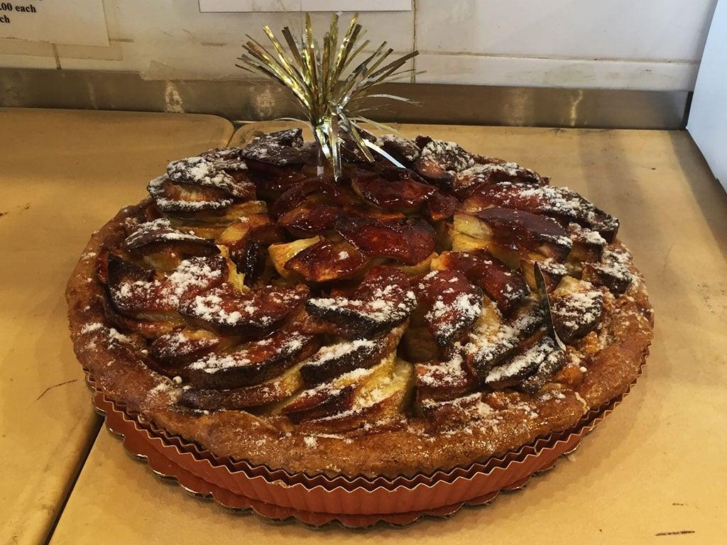 Apple Custard Spiral Pie - dessertsbygerard.com