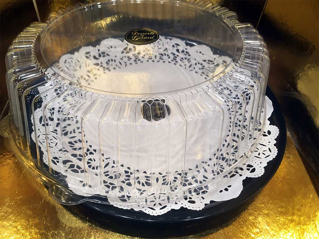 Black Plastic Tray with Lid - dessertsbygerard.com