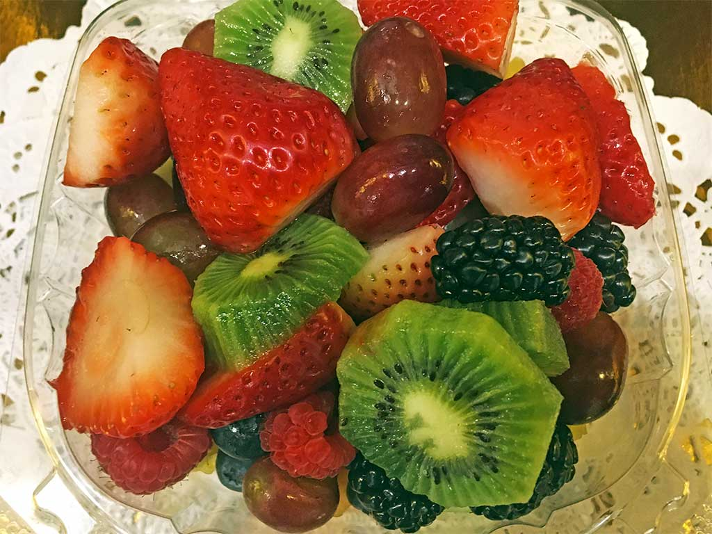 Fresh Fruit in a Container - dessertsbygerard.com