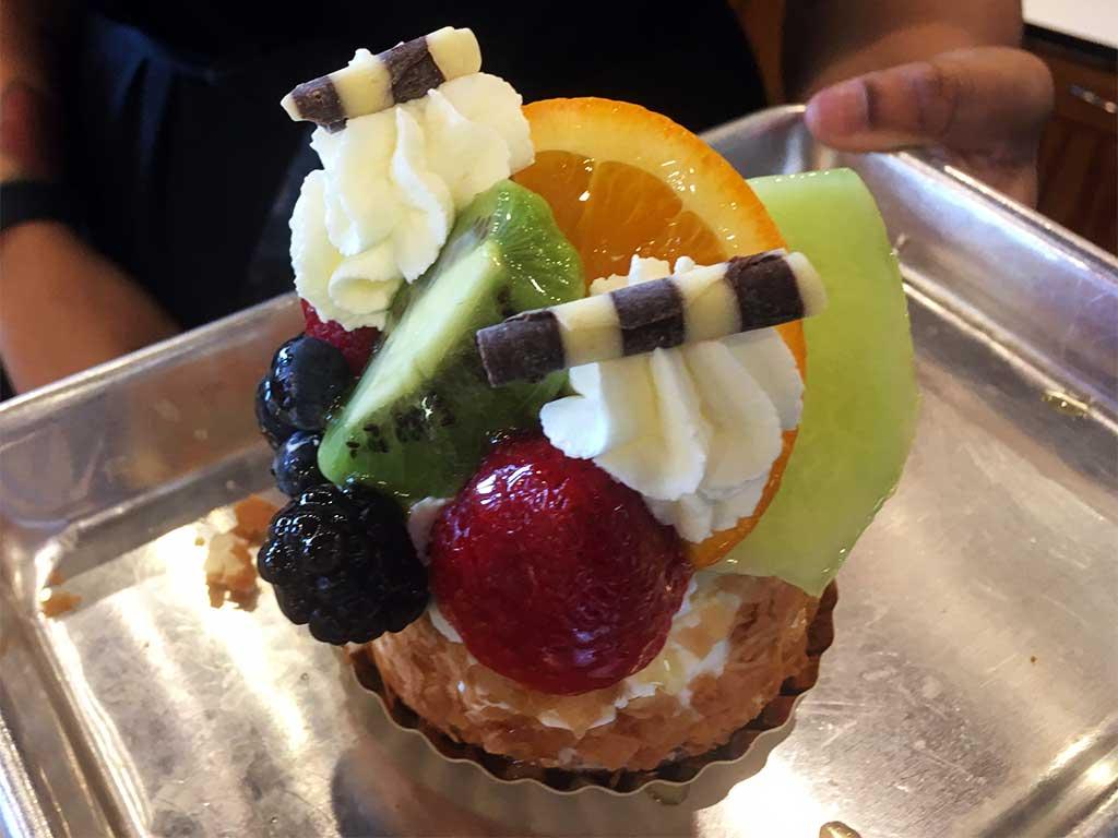 Fresh Fruit Cheesecake - dessertsbygerard.com