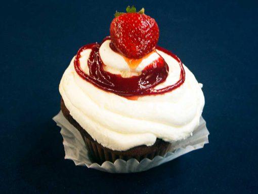 Red Velvet Cupcake - dessertsbygerard.com