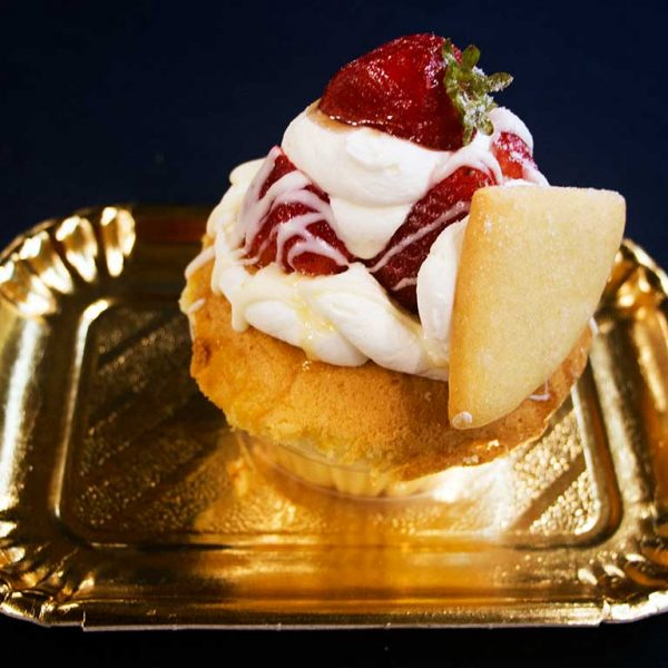 Strawberry Shortcake Cupcake - dessertsbygerard.com