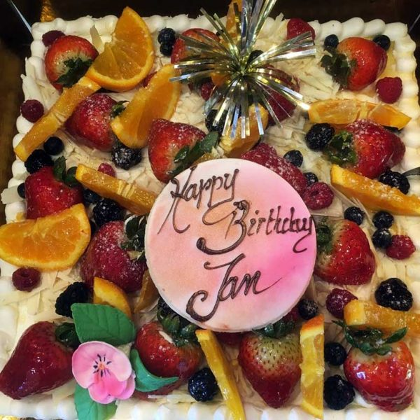 Vanilla Buttercream Cake - dessertsbygerard.com