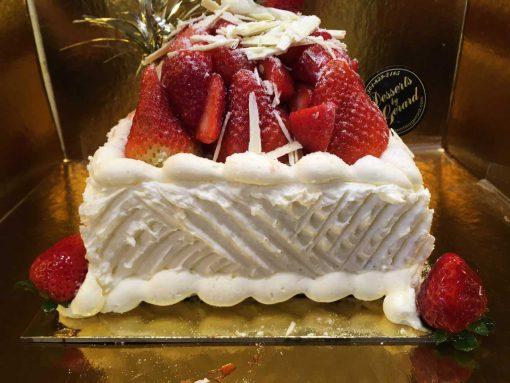 6 inch one layer strawberry shortcake - dessertsbygerard.com