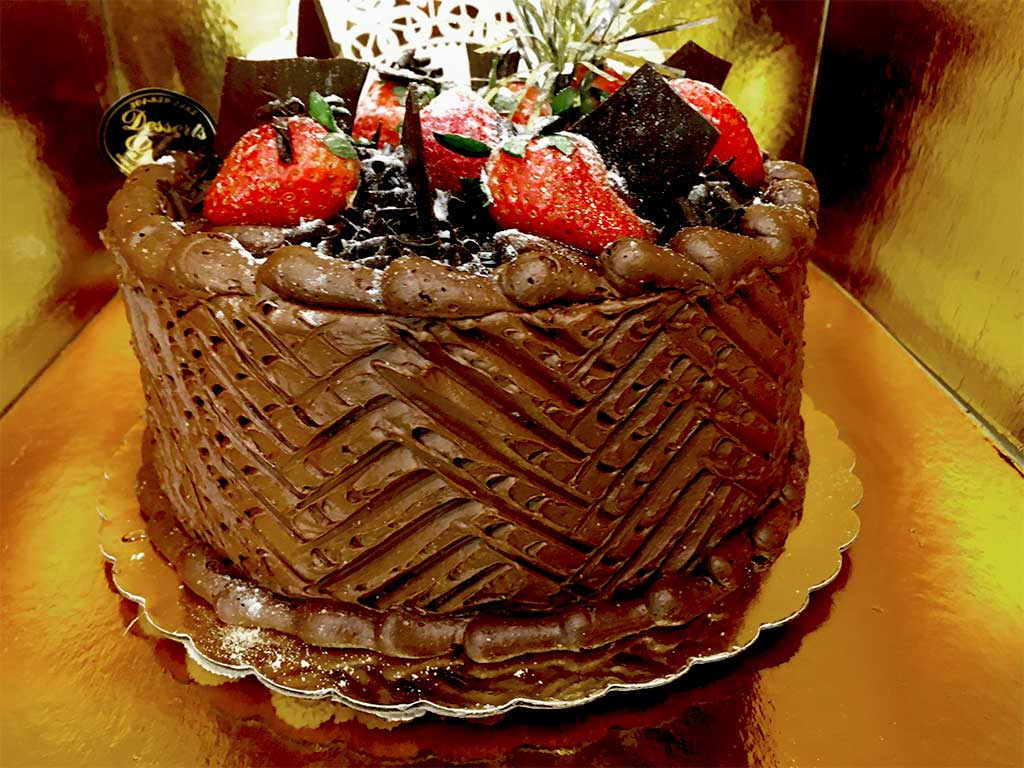 Chocolate Buttercream Cake - dessertsbygerard.com