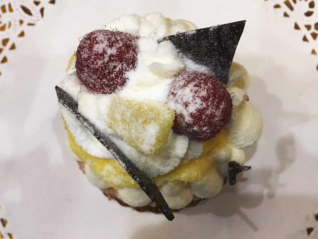 Individual Lemon Cheesecake - dessertsbygerard.com