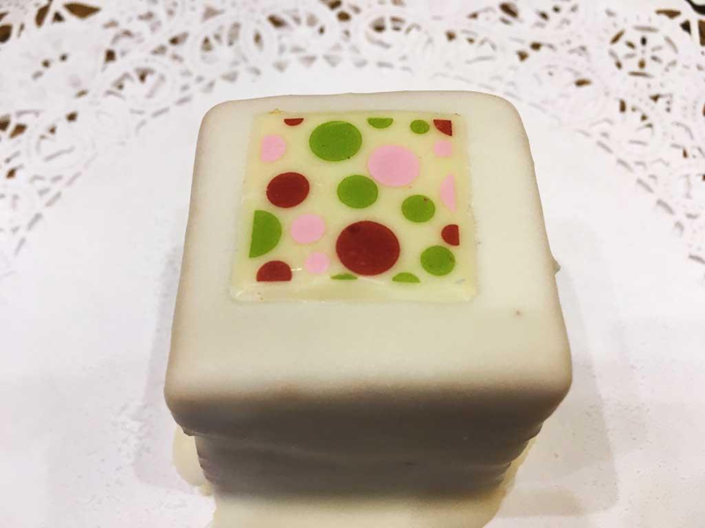Apple Cake Caramel Buttercream Mini Pastry - dessertsbygerard.com
