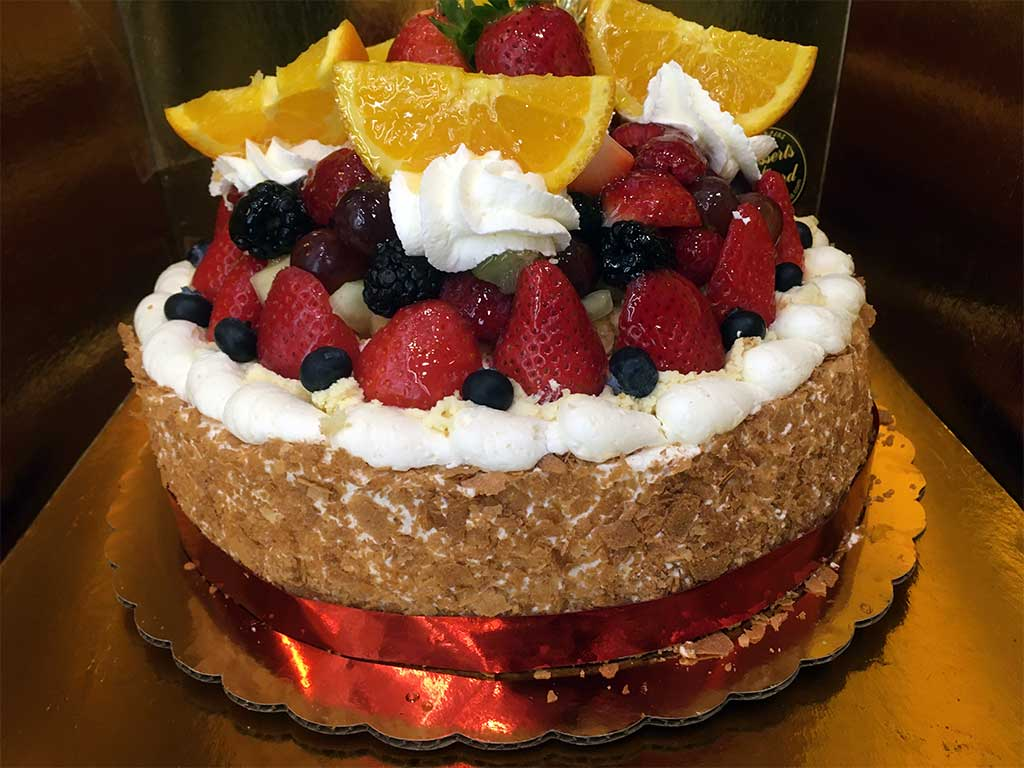 Fruit Cheesecake - dessertsbygerard.com