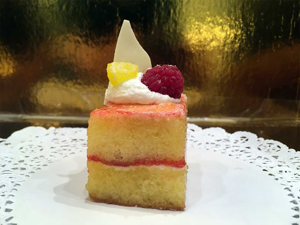 Mini lemon cake raspberry jam and lemon cream - dessertsbygerard.com