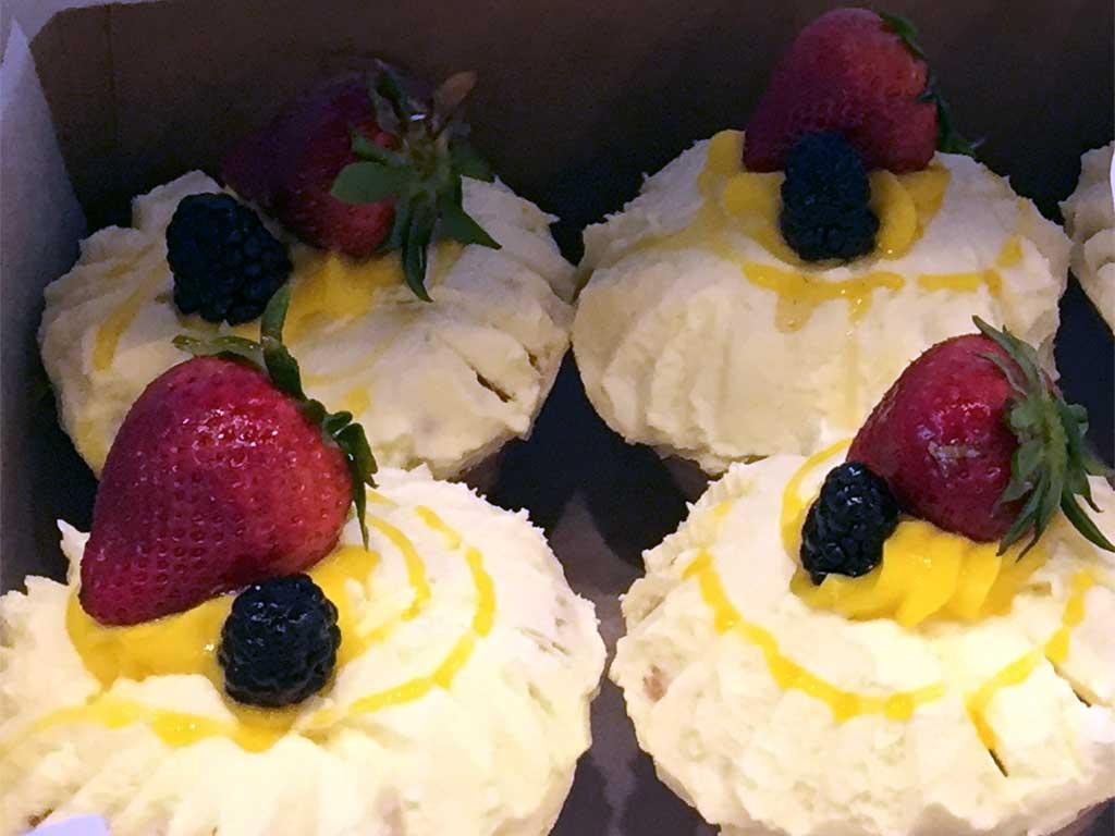 Lemon Buttercream Cupcake - dessertsbygerard.com