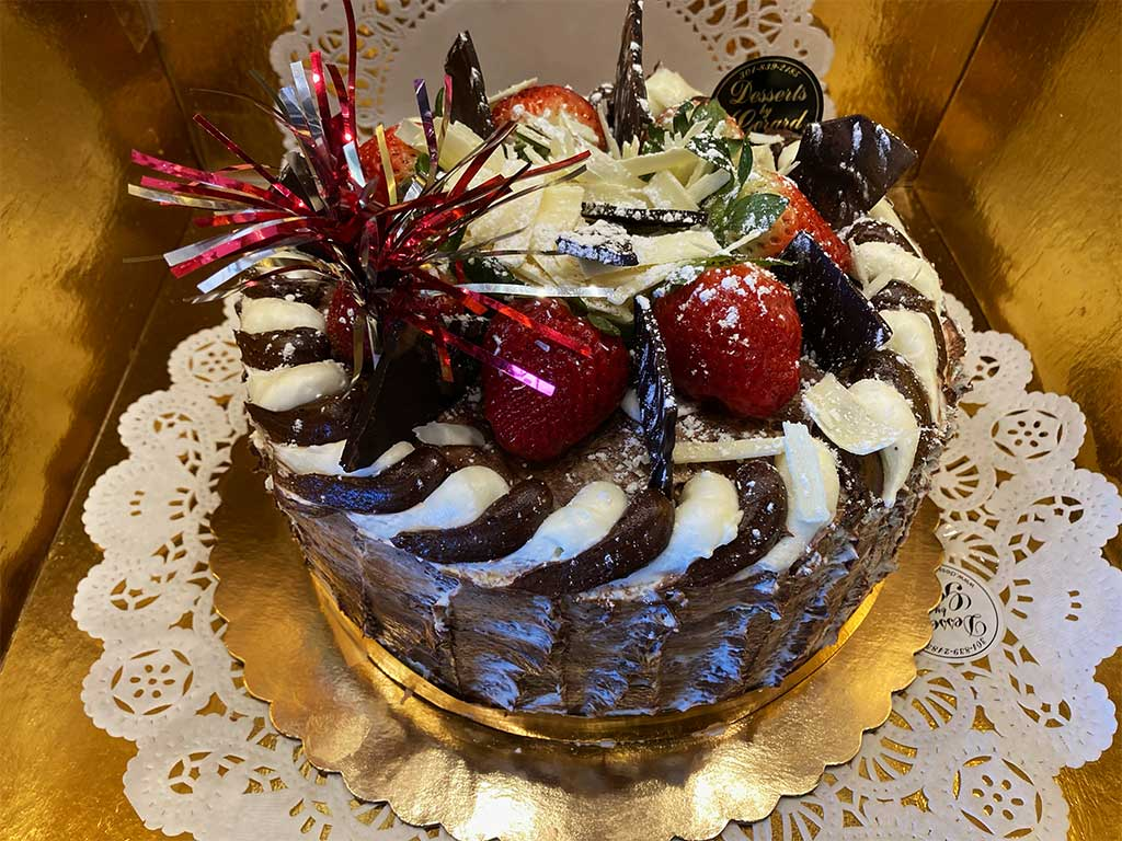 Marble Cake Marble Buttercream - dessertsbygerard.com